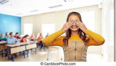 fermer, sourire, elle, étudiant, yeux, girl, mains