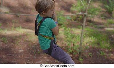 fermeture éclair, obstacles, escalade, il, garçon, corde, ...