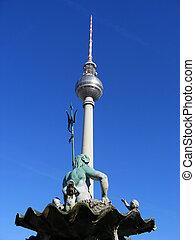 Fernsehturm and Neptunbrunnen