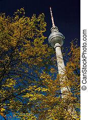Fernsehturm Berlin Herbst