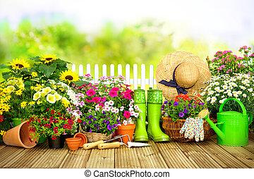 ferramentas ajardinando, e, flores, ligado, a, terraço, i