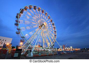 Ferris Wheel at amusement park - Ferris Wheel(motion) at ...
