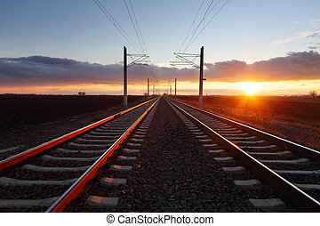 ferrocarril, anochecer