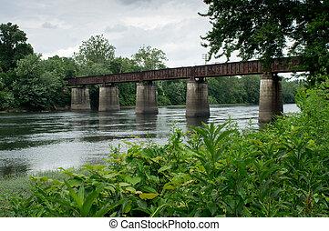 ferrocarril, puente, a través de, río