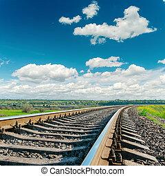 ferrovia, closeup, a, nuvoloso, orizzonte
