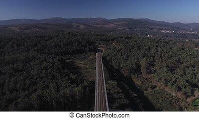 ferroviaire, dépassement, aérien, par, montagnes, liez affichage, tunnel