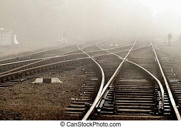ferroviaire, dans, brouillard
