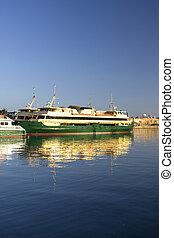 Image of a passenger ferry at Mort Bay, Sydney, Australia.