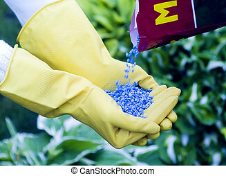 Fertilizer to pour in hands