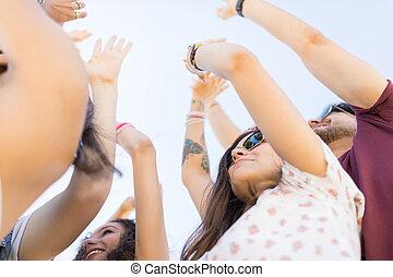 fest, friends, musik, tanzen