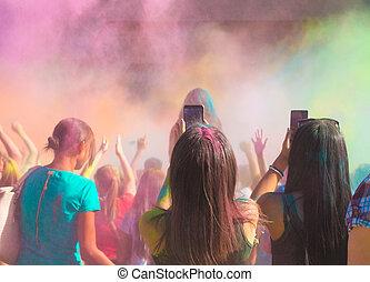 fest, während, celebrants, holi, tanzen