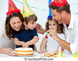festeggiare, compleanno, famiglia