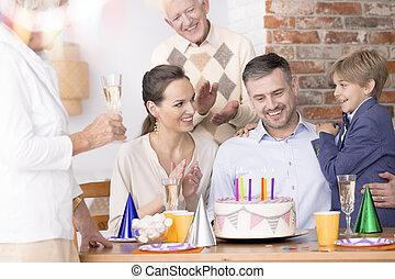 festeggiare, compleanno, padre, felice