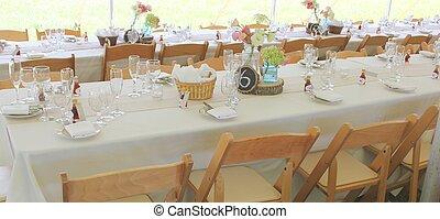 festeggiare tavola