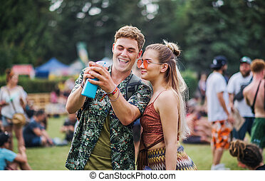 festival, fun., couple, été, jeune, avoir
