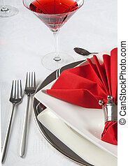 Festive table in red and white 2