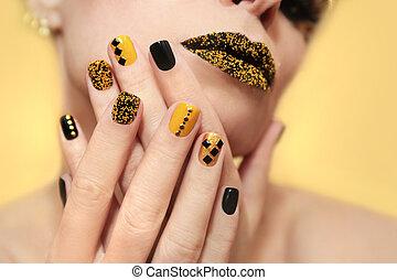 festivo, amarillo, negro, manicura, y, makeup.