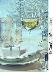 festlicher, abendessensrahmen, mit, geschenk, für, der, feiertage