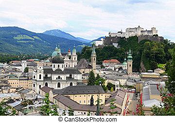 Festung Hohensalzburg Castle (High Salzburg Fortress), 1 of the largest medieval castles in Europe, Austria
