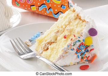 fetta, di, torta compleanno, e, uno, cappello festa