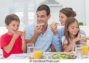 fette, pizza, famiglia felice, mangiare