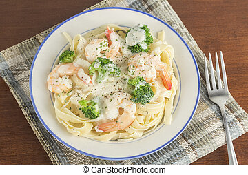 Fettuccine Alfredo Shrimp - Italian health conscious...