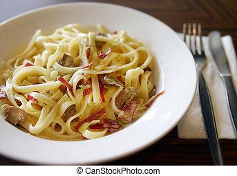 Fettuccine Pasta - fettuccine dinner