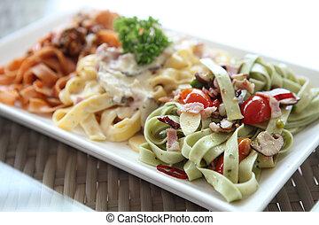 fettuccine spaghetti