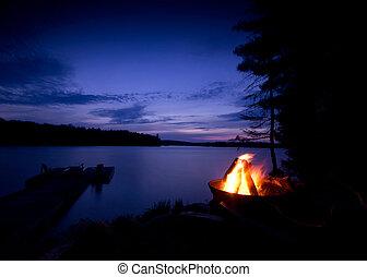 feu camp, sur, les, lac