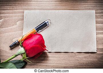 feuille blanche, de, papier, rose rouge, stylo fontaine, vacances, concept