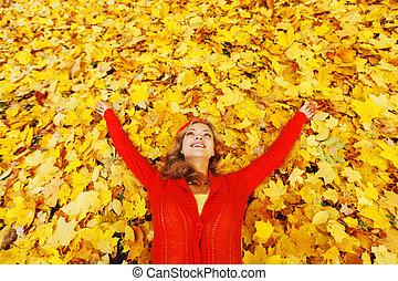 feuilles automne, femme, pose