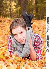 feuilles automne, femme, séduisant