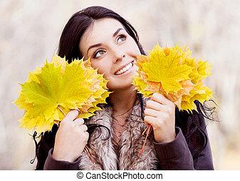 feuilles, femme