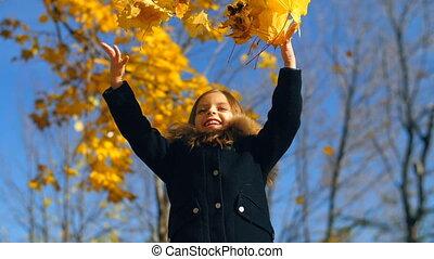 feuilles, peu, haut, girl, jets