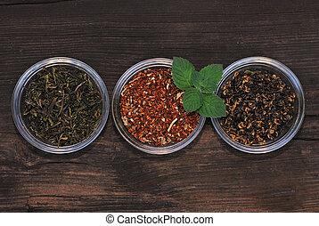 feuilles thé, trois, bols, assorti