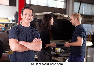 feundliches , mechaniker, glücklich