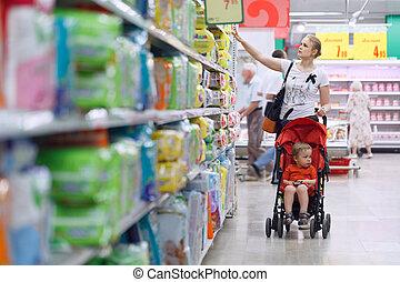 fiú, élelmiszer áruház, neki, anya