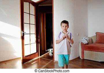 fiú, alatt, a, szoba