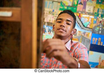 fiú, izbogis, művészet, fényképezőgép, fekete, diák, mosolyog vidám