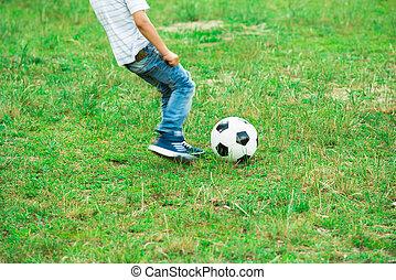 fiú, játék, noha, focilabda