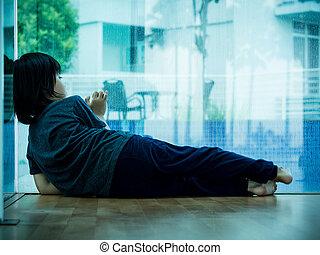 fiú, kevés, szoba, ülés, concept., hajfonat, boldogtalan, sajnálatos gyermekek, üres, alone.