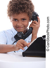 fiú, telefon