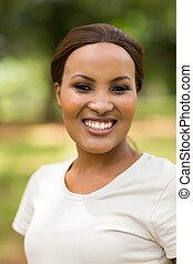 fiatal, african woman, szabadban