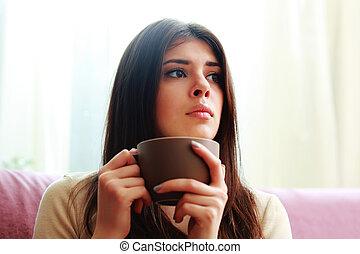 fiatal, gondolkodó, nő, noha, csésze kávécserje, külső