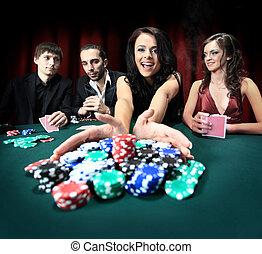 fiatal, gyönyörű woman, játék, alatt, kaszinó