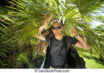 fiatal, hím, természetjáró, alatt, tropikus, dzsungel
