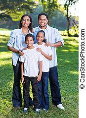 fiatal, indiai, család