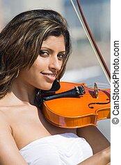 fiatal, indiai, hegedűművész