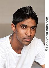 fiatal, indiai