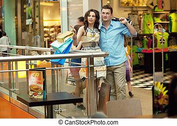 fiatal, jelentékeny, párosít, having móka, -ban, bevásárló központ